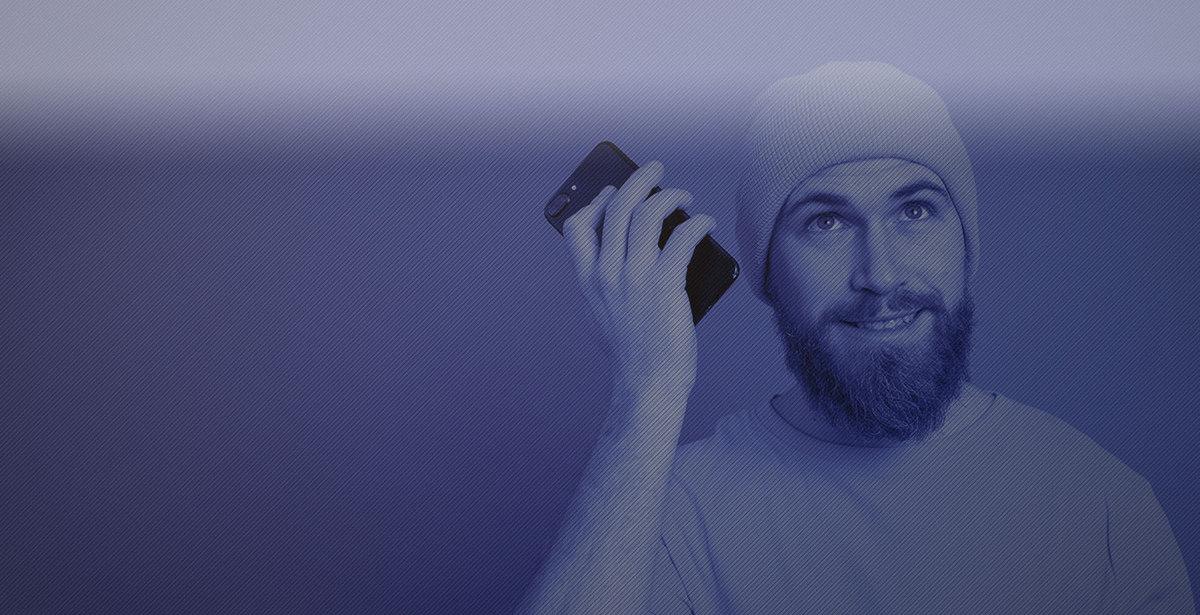 homem conversação telefone